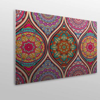 Cabecero mandala colorido de diseño y acolchado para mayor confort.